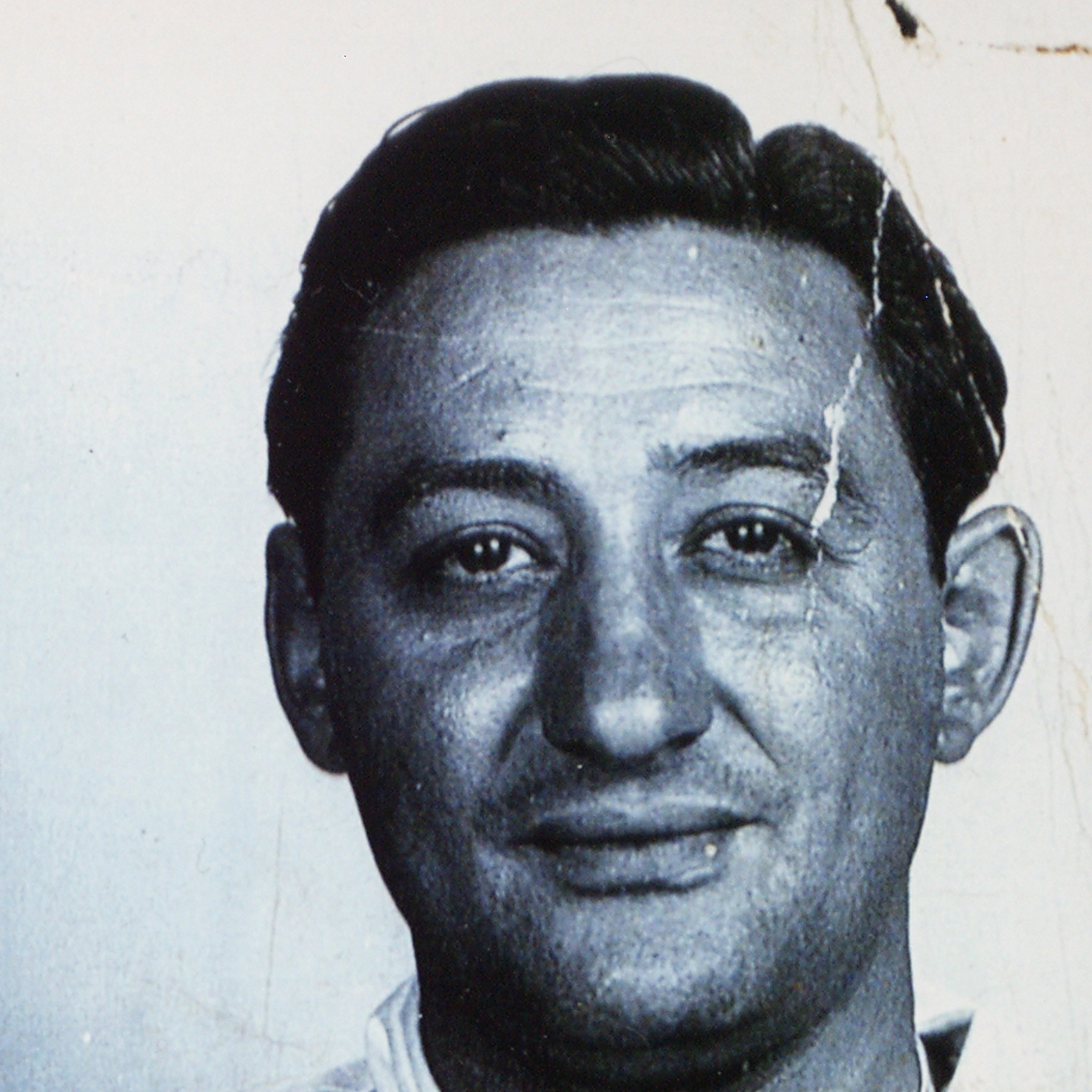 Suspect Thomas Viola's mug shot from the police case file.  Viola was picked up in Tuscon, Arizona in 1945.