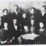 "Group photo of Cecilia ""Celia"" Kee Alger family."